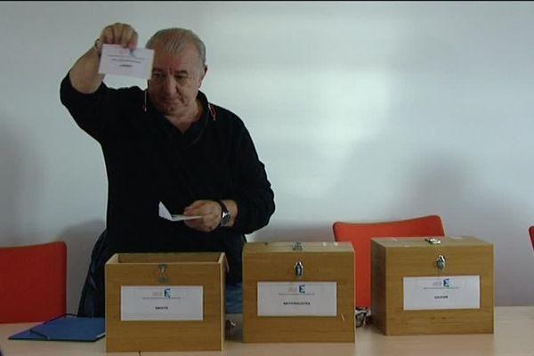 Le tirage des candidats qui participeront aux deux débats avant le premier tour des élections territoriales a été effectué à Ajaccio, en présence d'un huissier et des représentants des listes.