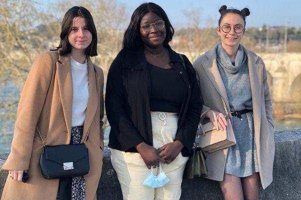 Maureen Poullié, Assetou Coulibaly, Manuela Boré ( Inès Pilot manquante) étudiantes - entrepreneuses à l'Université de Tours
