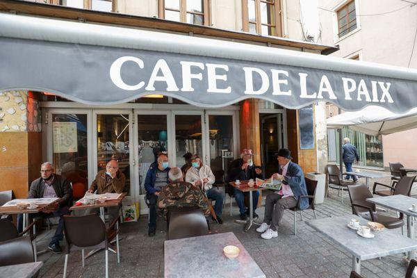 Réouverture des bars en terrasse à Montbéliard le 19 mai 2021.