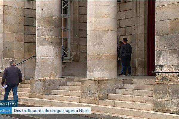 Les onze prévenus ont été condamnés à des peines de prison à Niort