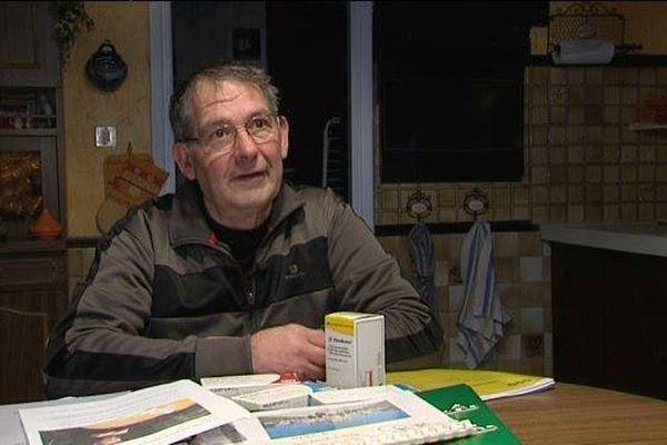Alain Multeau affirme que les génériques ont causé une dégradation de son état de santé. Il a décidé de lancer une pétition.