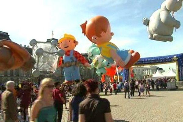 L'une des animations du festival de la BD de Bruxelles, sur une place de la ville, des ballons géants à l'effigie de héros de BD.