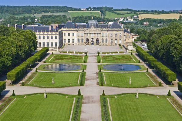 """Le château de Lunéville, surnommé le """"petit Versailles lorrain"""" est un chef d'oeuvre d'architecture du 18ème siècle"""