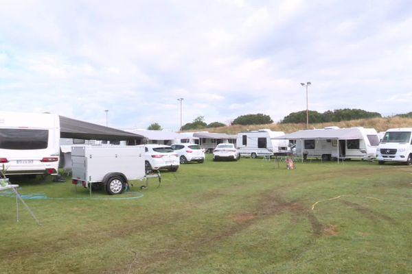 Les gens du voyage qui se sont installés sur le terrain de rugby se sont engagés à quitter les lieux sous huit jours