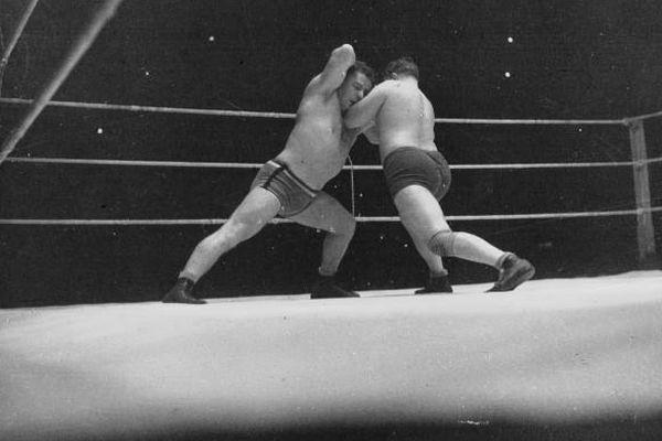 Combat entre Deglane et Hans Duesing au Palais des Sports/ Agence Meurisse /1936
