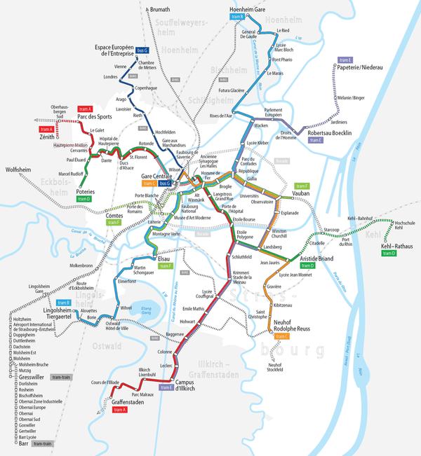 En vert, la ligne D du tramway est prolongée jusqu'à la gare de Kehl (Kehl-Bahnhof) en avril 2017. Une autre extension est prévu à l'horizon 2018 pour atteindre la mairie de Kehl (Kehl-Rathaus).