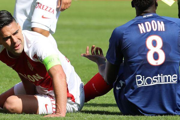 Le capitaine et attaquant de l'ASM Monaco, Radamel Falcao, victime d'une élongation de l'adducteur.