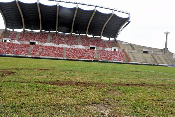"La pelouse du stade de la Méditerranée sera remplacée ""en urgence"" vers la mi-octobre."