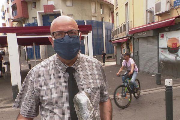 Jean-Baptiste Vila, médiateur de la communauté gitane du quartier Saint-Jacques à Perpignan souhaite que le port du masque soit obligatoire dans ce quartier.