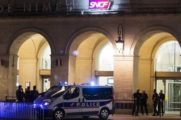 La gare de Nîmes a été évacuée aux alentours de 21h15, un homme a été interpellé avec une arme factice - 19 août 2017
