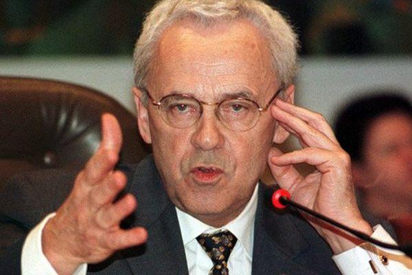 Le sénateur René Garrec, en 2000, à l'époque président du Conseil général du Calvados.