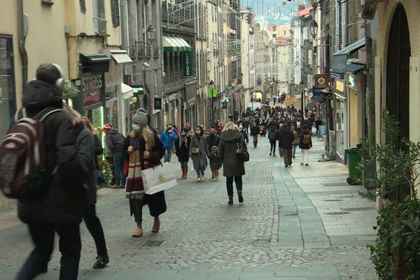 Dans le Puy-de-Dôme, les commerces seront autorisés à ouvrir le dernier dimanche des soldes.