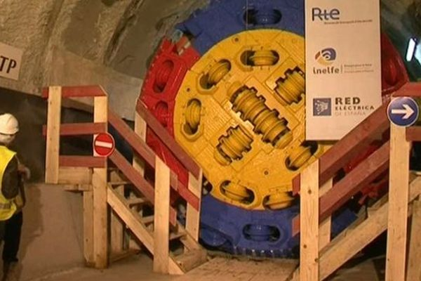 Montesquieu-des-Albères (Pyrénées-Orientales) - lancement du percement du tunnel de la THT France/Espagne - 17 octobre 2012.