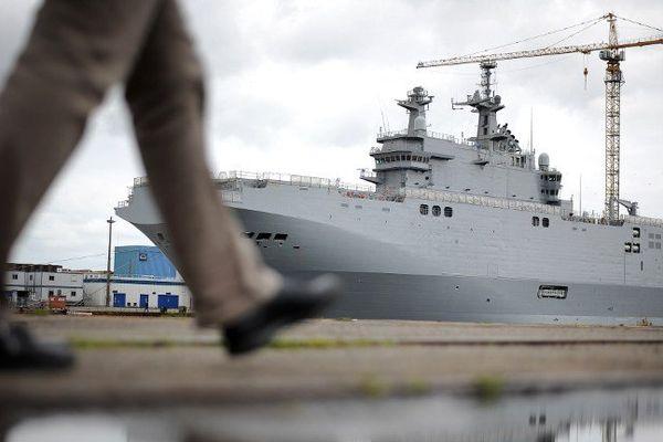 Le Mistral Vladisvostok, le 9 mai 2014 dans le port de Saint-Nazaire