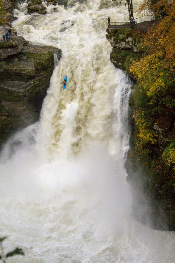 Une chute verticale de 25 mètres