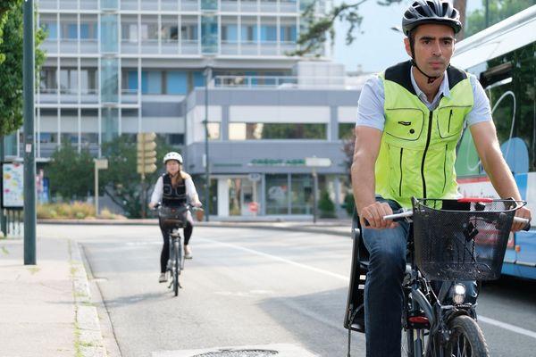 Une entreprise Annécienne a créé le premier airbag pour cyclistes.