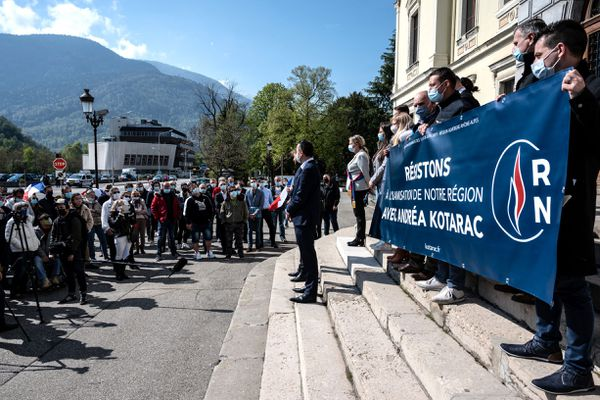 Manifestation à l'appel du RN contre un projet d'école musulmane à Albertville