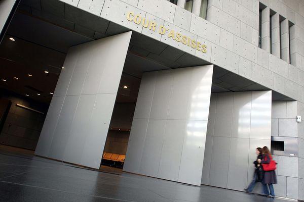 Le procès des parents de la petite Hafsa se tient à la cour d'assises de Grenoble.