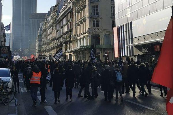 Des milliers de personnes ont défilé ce jeudi 15 janvier à Paris