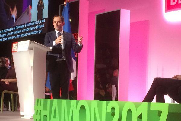Benoit Hamon lors de son meeting au Havre le 10 mars 2017.