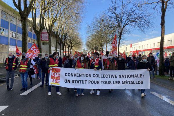Lorient : les salariés de la métallurgie et de l'Arsenal étaient dans la rue ce matin.