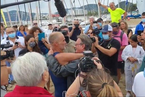 Thierry Corbalan, le dauphin corse, est arrivé à Mandelieu-la-Napoule, ce dimanche 20 septembre, après six jours de nage depuis Calvi.