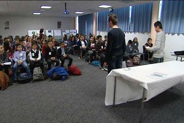 Les élèves du collège Saint-Exupéry à Perpignan se sont livrés à un jeu de rôle pour refaire la COP21 à leur façon.