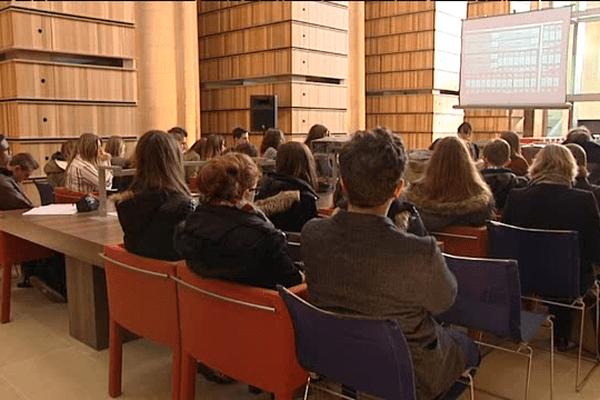 """Des élèves de seconde à l'IMEC pour l'opération """"Archives en herbe"""""""