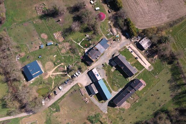 Vue aérienne de l'éco-hameau de la Bigotière à Epiniac, en Ille-et-Vilaine (avril 2021).