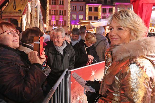 Sophie Davant à la rencontre de son public, à Mulhouse.