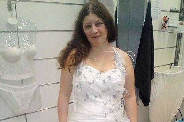 Aurore rêve de se marier avant d'être emportée par sa maladie.