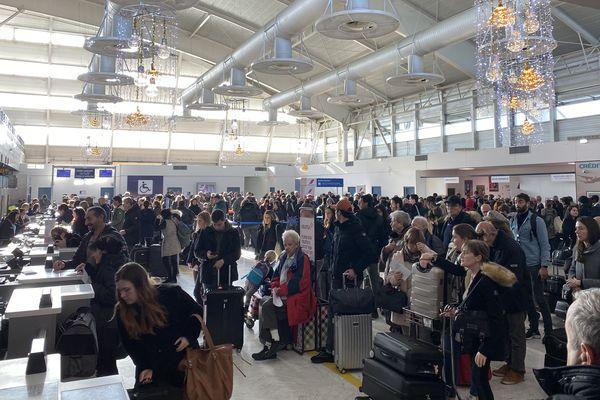 Des queues interminables à Poretta, en raison du nombre de vols prévus aujourd'hui