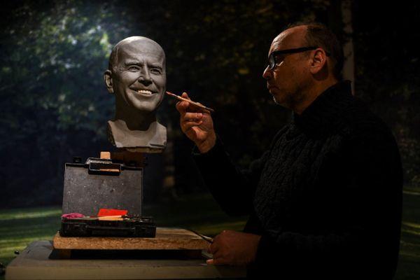Le double de cire de Joe Biden, réalisé par Claus Velte (l'un des sculpteurs de Grévin), sera prêt dans deux mois.