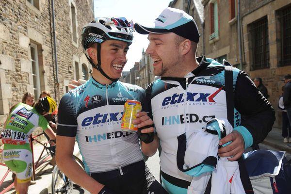le sourire de Julian Alaphilippe, à gauche, fait du bien au cyclisme français, le coureur de Saint-Amandois a brillé dans les classiques ardenaises et au Tour de Californie.