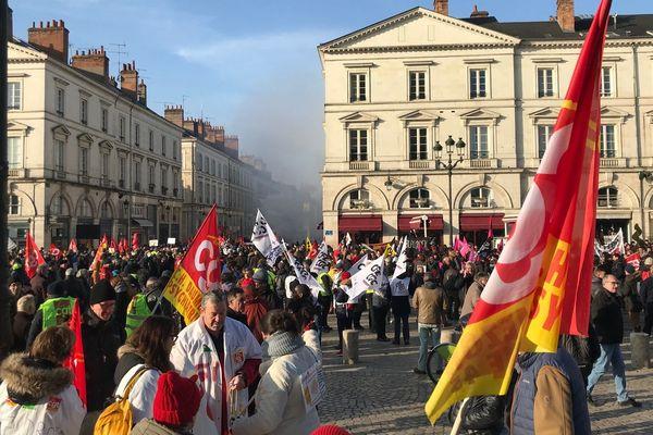 A l'appel de plusieurs syndicats, une mobilisation a réuni plusieurs centaines de personnes dans les rues d'Orléans contre la réforme de la retraite à point.