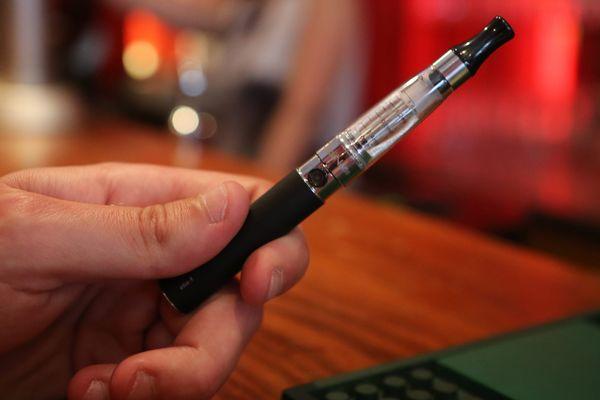 L'explosion de la batterie d'une cigarette électronique a gravement blessé à la main droite un jeune homme de Ligné en Loire-Atlantique