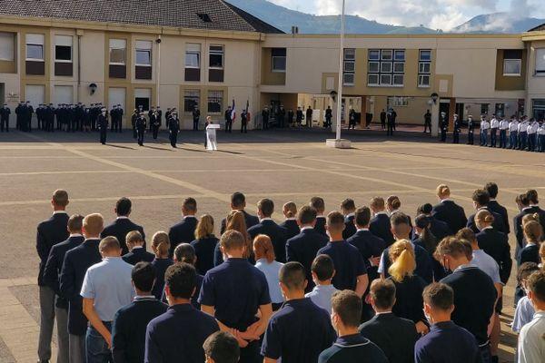 La ministre déléguée Geneviève Darriussecq est à l'école des pupilles de l'Air de Montbonnot ce mercredi.