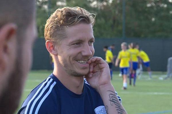 Boris Mahon de Monaghan est un joueur chômeur. Ils sont 150 sans club en France.
