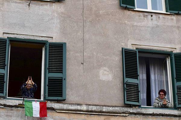Photo d'illustration - les italiens sont confinés depuis 12 jours chez eux, tout commence pour les français.