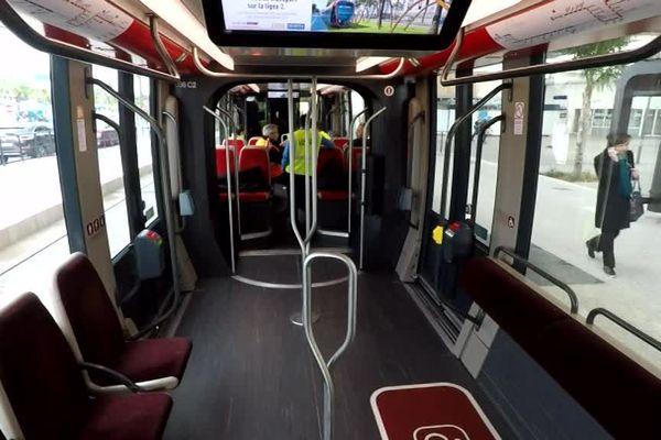 Le tramway de la ligne 2 à Nice