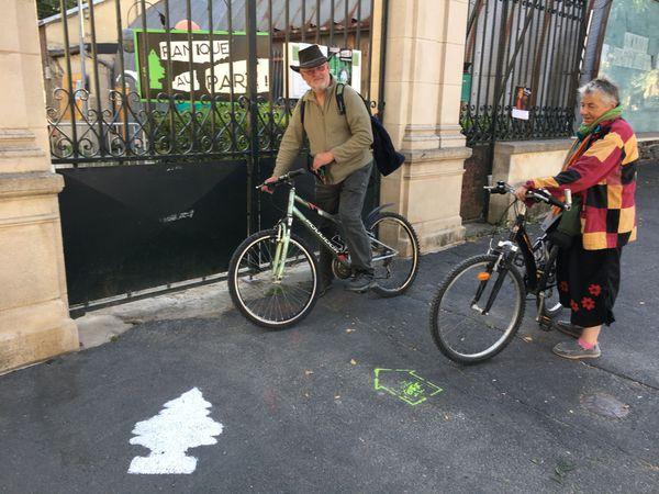 Les festivaliers chanceux sont venus avec leur vélo pour voir un maximum de spectacles dans la ville