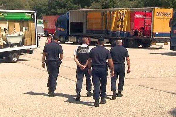 Nîmes - la sécurité est renforcée sur la Vuelta - 18 août 2017.