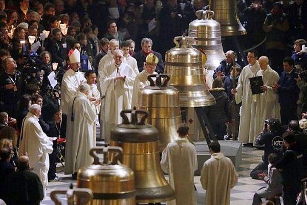 Les cloches exposées à Notre-Dame-de-Paris