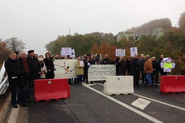 Blocage du pont de Rosbruck avant l'inauguration