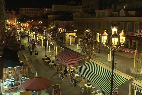 Le Cours Saleya s'est vidé peu avant 21 heures.