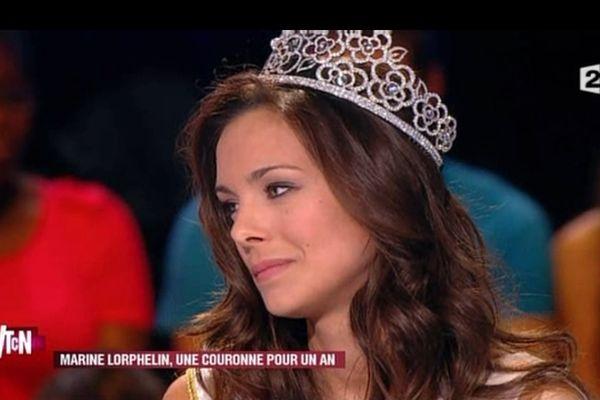 """Miss France était invitée de l'émission """"Vous trouvez ça normal"""", sur France 2, vendredi 21 décembre 2012"""