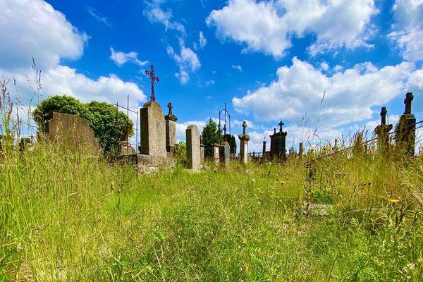 Le cimetière de Louyat, comme abandonné