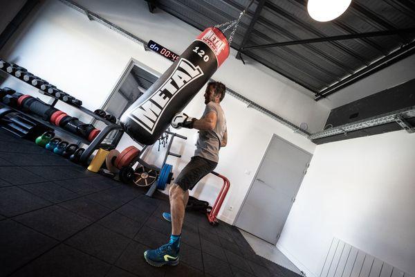 Franck Cammas s'entraîne quotidiennement pour garder la forme en vue de ses prochaines courses.