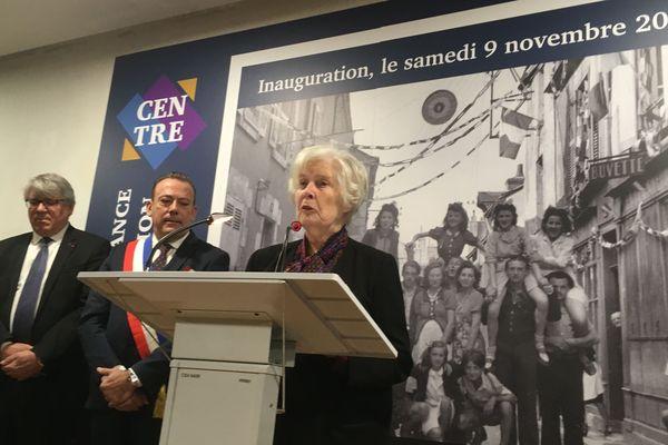 Christiane Hessel, à la tribune lors de l'inauguration du Centre de la Résistance, de la Déportation et de la Mémoire de Blois.