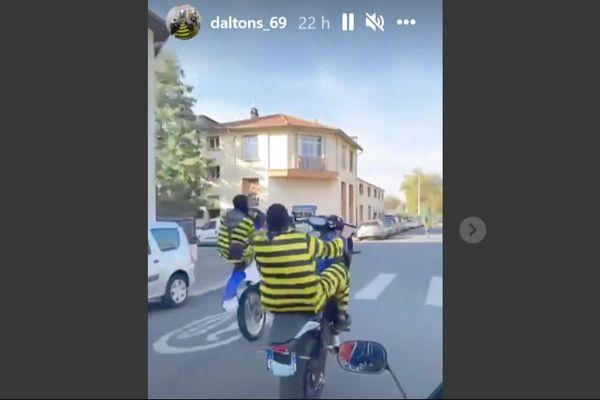 Les Daltons se mettent en scène dans des vidéos pour la promotion ou le contenu de clips de raps. Cette fois, ils ont été interpellé en flagrant délit.